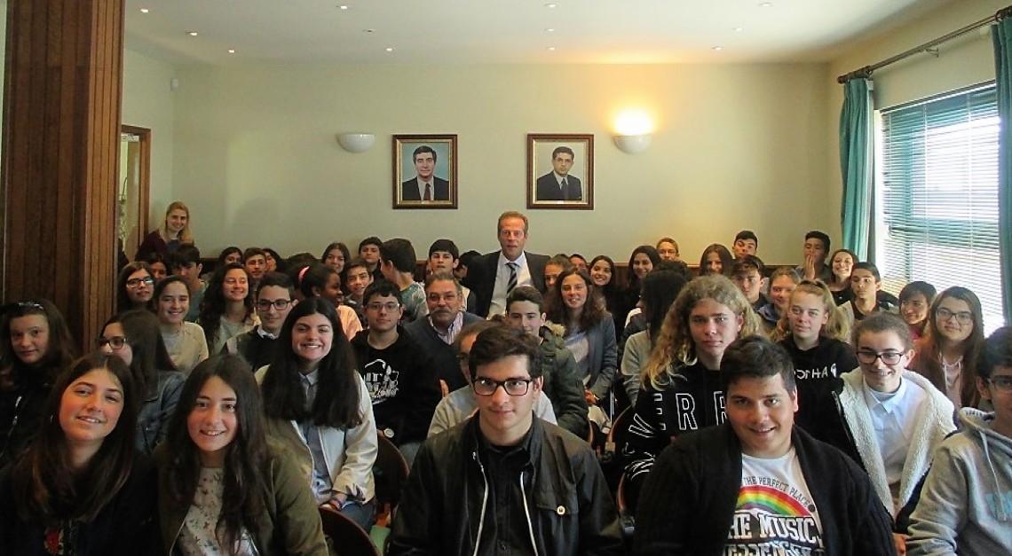 Presidente da Câmara conversa com Jovens Autarcas e Alunos da Freguesia