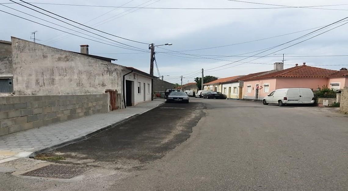 RUA DO FREITAS e RUA DE SÃO GERALDO com espaço alargado